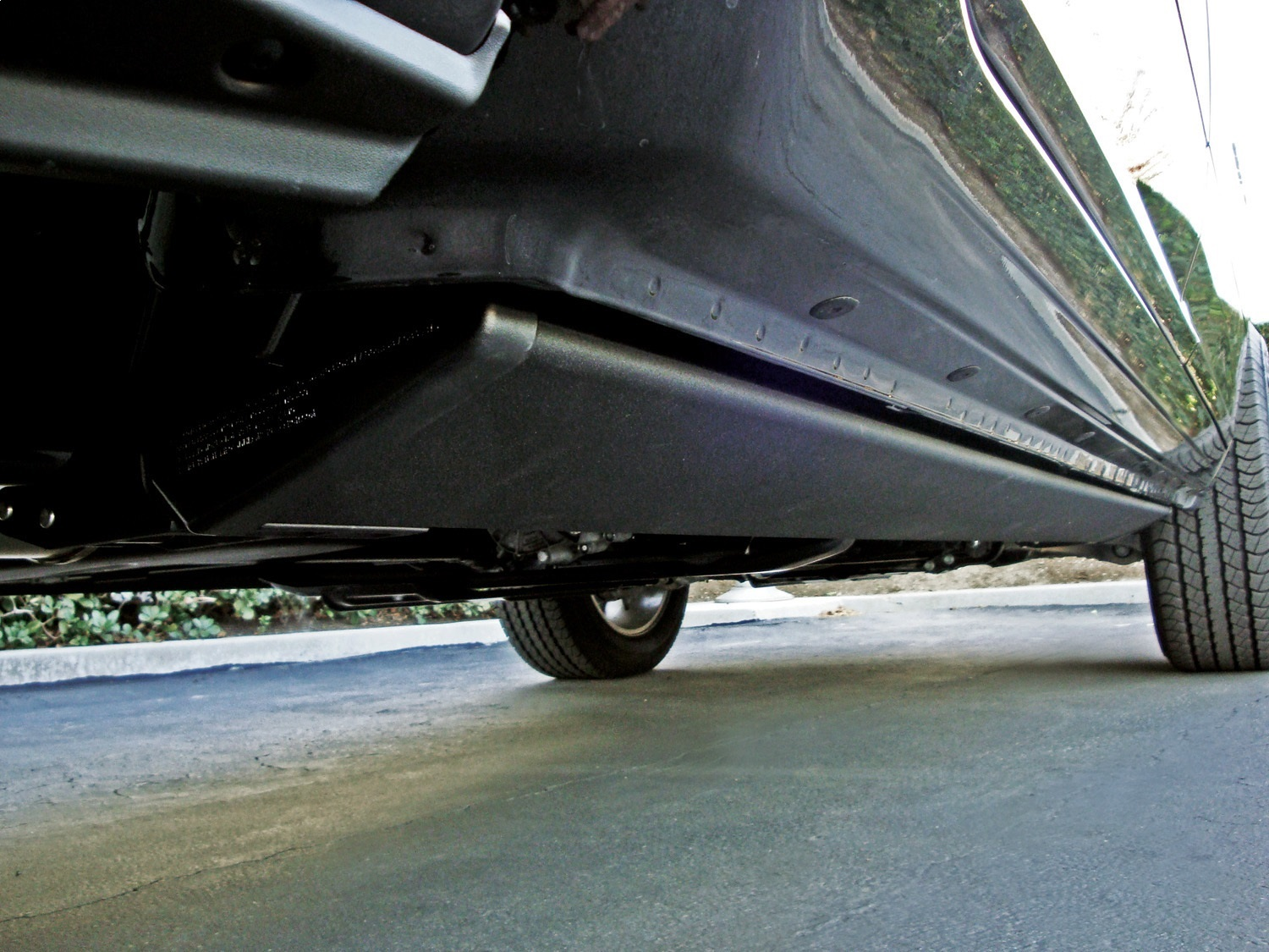 "AMP Research 6.25"" PowerStep Cab Length Black Running Boards - AMP Research 76139-01A"